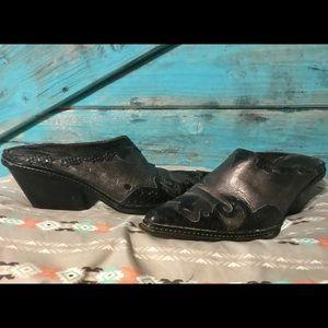 Donald J. Pliner - Slip On Heels